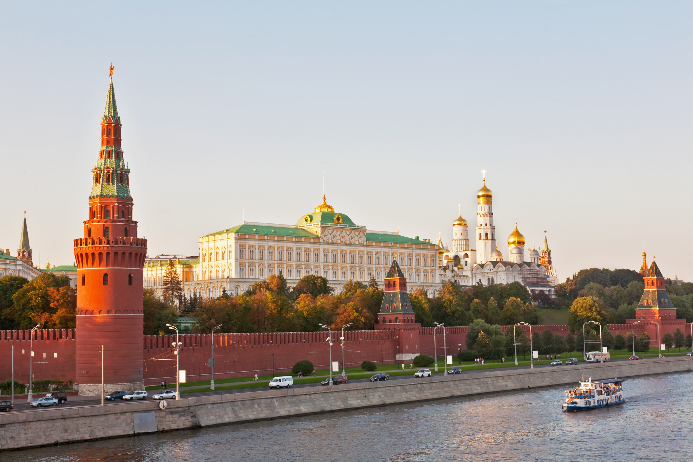 An outlook on Russia's economy: Financial strength and economic weakness